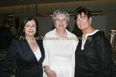 IMG_2521 Margarita Uribe,Mary Dinger & Linda Kaye