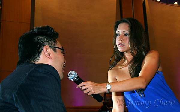 "<font color=""yellow"">Paula interviewing Salsa Sam (Havana Estudio's Artistic Director and one of Salsa 101 judge).</font><br>"