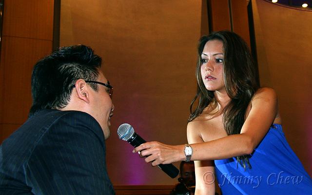 "<font color=""yellow"">Paula interviewing Salsa Sam (Havana Estudio's Artistic Director and one of Salsa 101 judge).</font><br>"