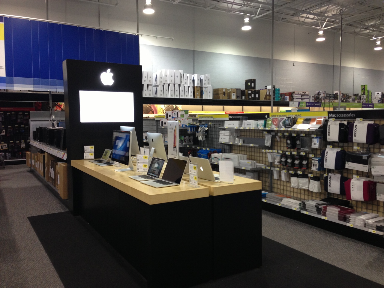 The Samsung-hired consultant at the Lewisville, Texas, Best Buy store says one advantage of his perch is that he has a chance to intercept would-be iPhone and iPad buyers before they make it to the Apple set-up toward the back of the store.