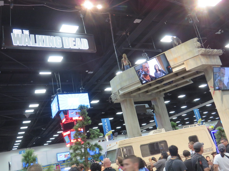 THE WALKING DEAD infest San Diego Comic-Con 2016 – #SDCC