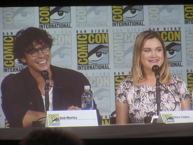 Flashbacks, new looks, new 'ships, and more uncertainty promised for new season of THE 100 #SDCC
