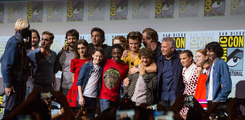 STRANGER THINGS turned all of Hall H UPSIDE-DOWN at first outting to #SDCC