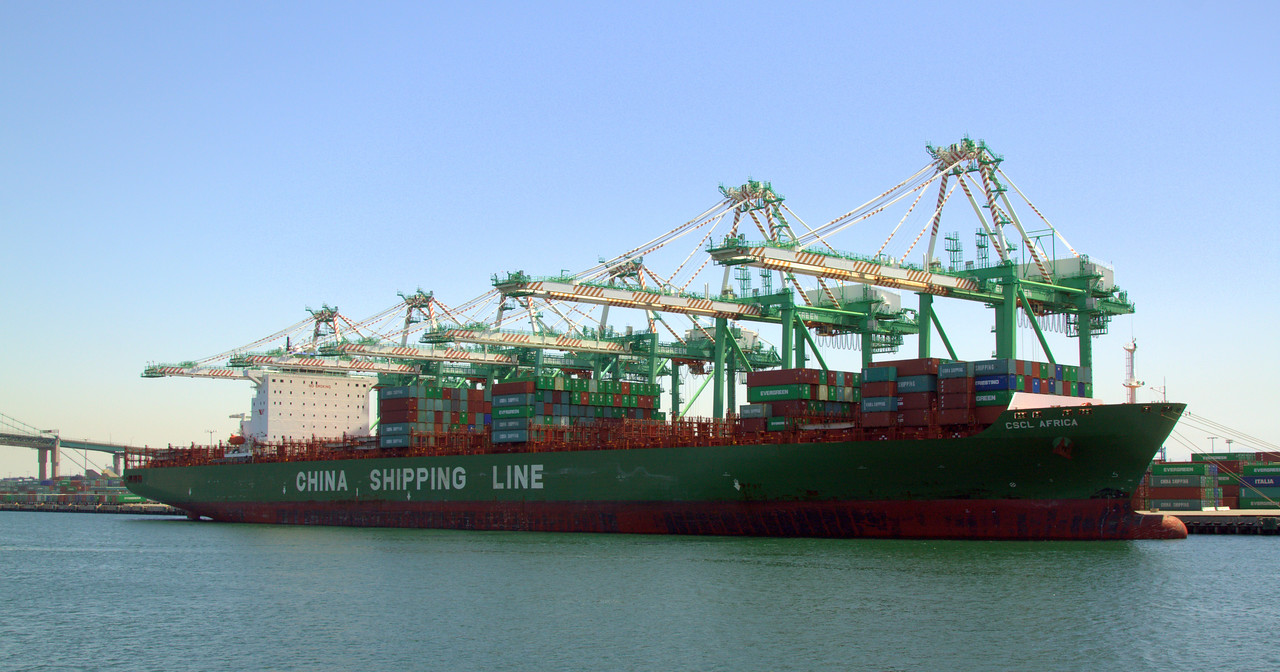 CSCL Africa, container ship that is over 1000ft in length.