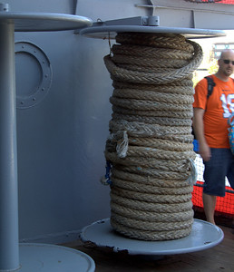 Good-sized spool of rope (is it called rope when it's this large? Haul line? Bigass rope?)