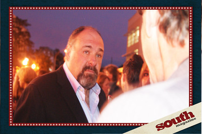 What an expressive face on a great guy! James Gandolfini spoke to everyone who approached him! Awesome.