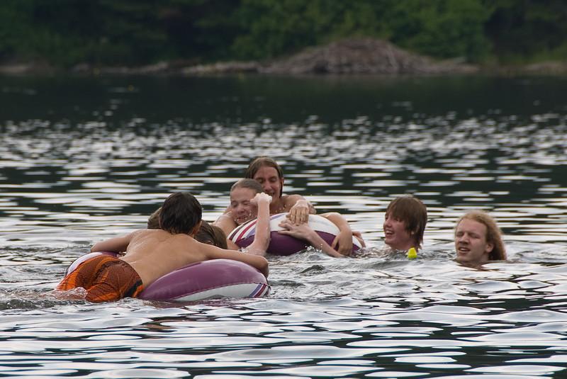 <b>Kids playing in South Pond</b>   (Jul 05, 2007, 01:31pm)