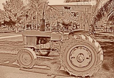 Tractor brown 1491cf old,jpg