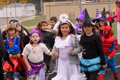 10 10 29 Halloween Parade-043