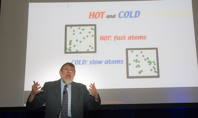 Nobel Prize winning physicist at the Einstein Stage explains Hot and Cold