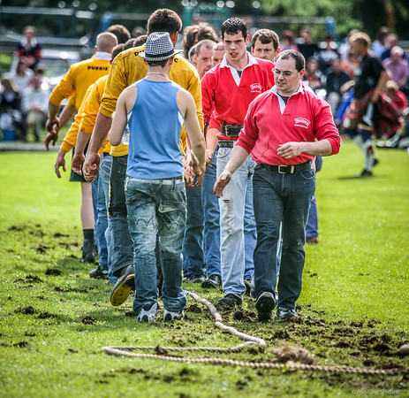 Tug O' War Teams at Aboyne Highland Games 2010