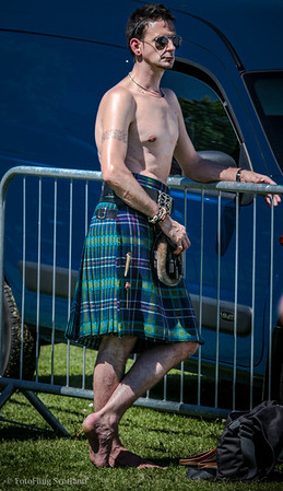 Kiltie in the sun Bathgate & West Lothian Highland Games 2009