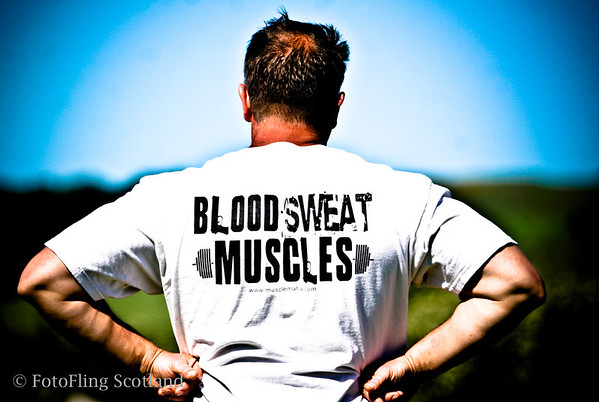 Blood - Sweat - Muscles Heavyweight contestant at Bathgate & West Lothian Highland Games 2009