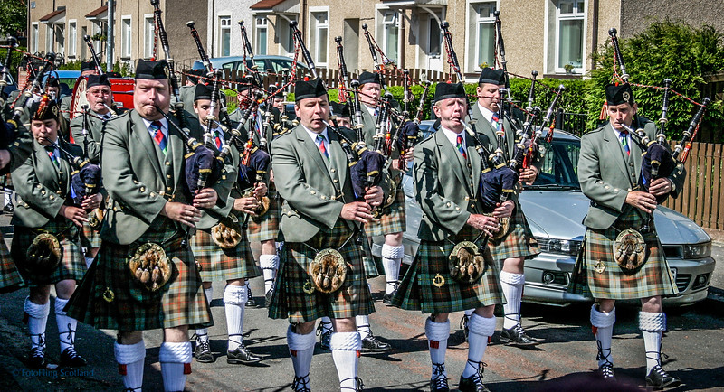 Don't mess with these pipers !