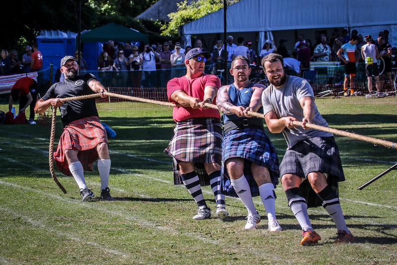 Heavyweight Tug O' War Contestants