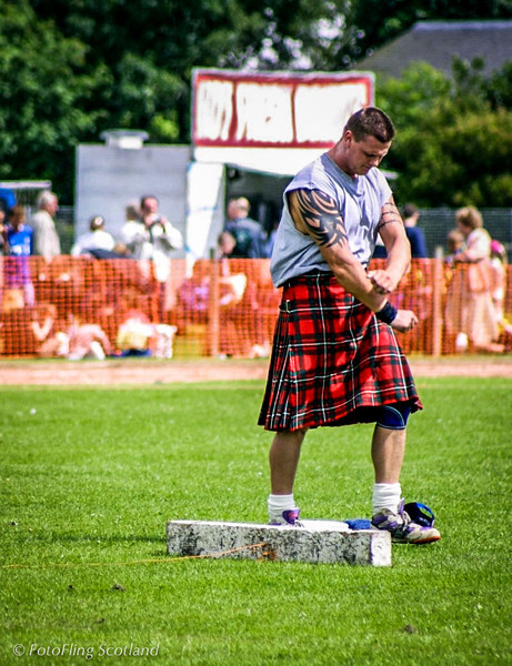 Heavweight Competition Inverkeithing Games 2001