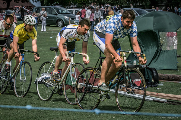 Cyclists on track