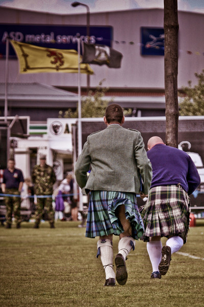 Shadowing the Caber Thrower