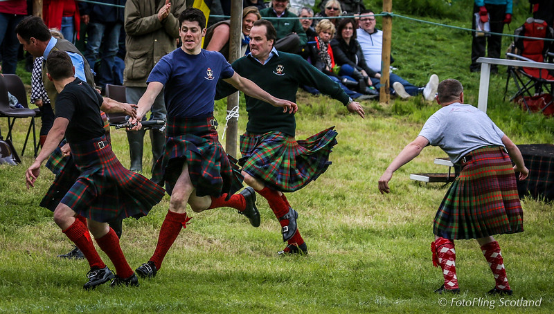 Atholl Highlanders - Kilt Relay Race