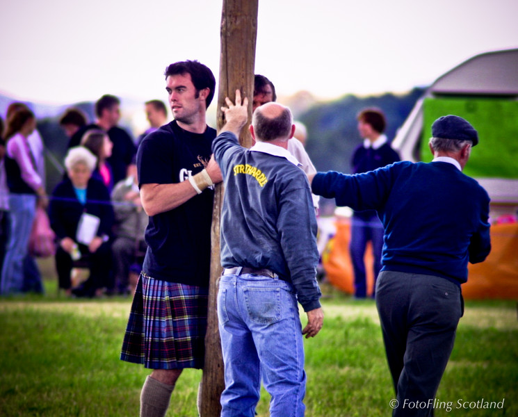 Holding in the caber