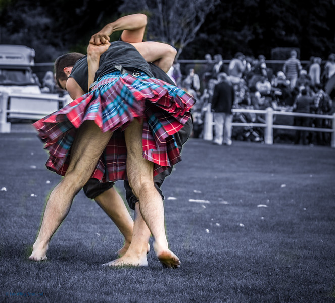 Paul Craig Wrestles with Breton at Bute Highland Games