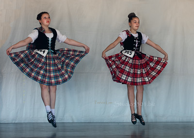 two Scottish dancers plaid levitation 6432cf ProC IndSum
