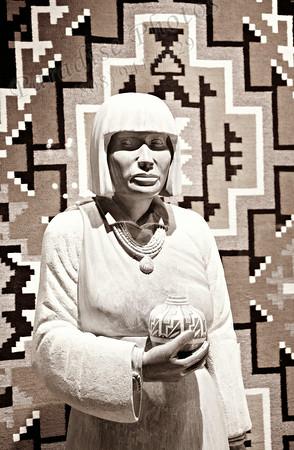 Indian woman sculpture 6957