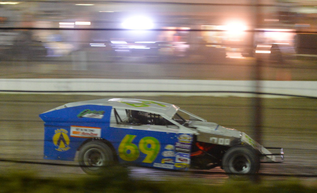 Justin Sheely | The Sheridan Press<br /> Michael Lind races his Mod 4 on the dirt track during the I-90 Challenge for the final event of the season Saturday night at Sheridan Speedway.