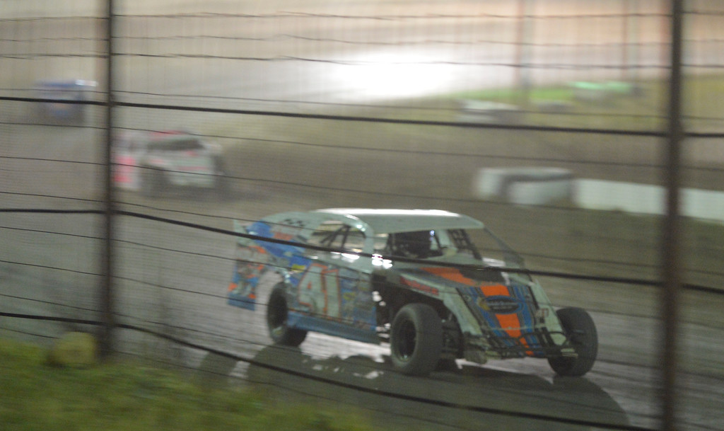 Justin Sheely | The Sheridan Press<br /> Clint Jensen drives his Mod 4 on the dirt track during the I-90 Challenge for the final event of the season Saturday night at Sheridan Speedway.