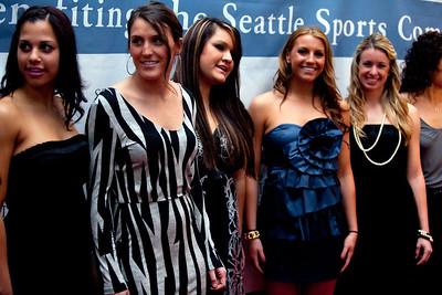 Husky womens softball team