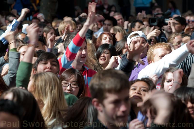 """Glee"" Flash Mob: Seattle, Pioneer Square"