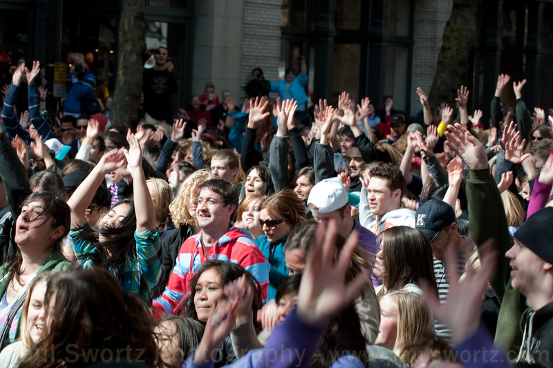 """Glee"" Flash Mob: Seattle, Pioneer Square"