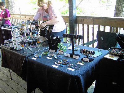 Setting up for the Saturday afternoon bead show and sale, which was poorly attended by the public, but the rest of us enjoyed seeing what everyone else had.