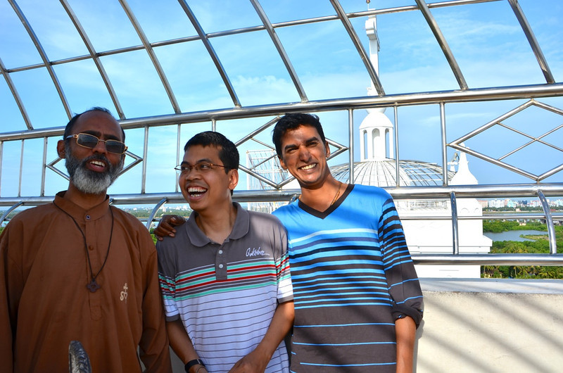 Fr. Heru (middle) enjoys a little sightseeing near Cochin. He is with Fr. McQueen and Fr. Michael Benedict.