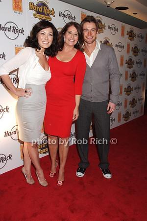 Lindsay Price, Lorraine Bracco, Robert Buckley