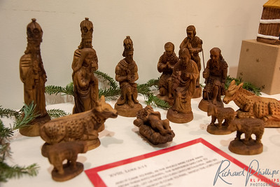 The shepherds in this Bethlehem olive wood set are wearing animal skins. The kings wear crowns similar to Orthodox Christian Patriarchs.