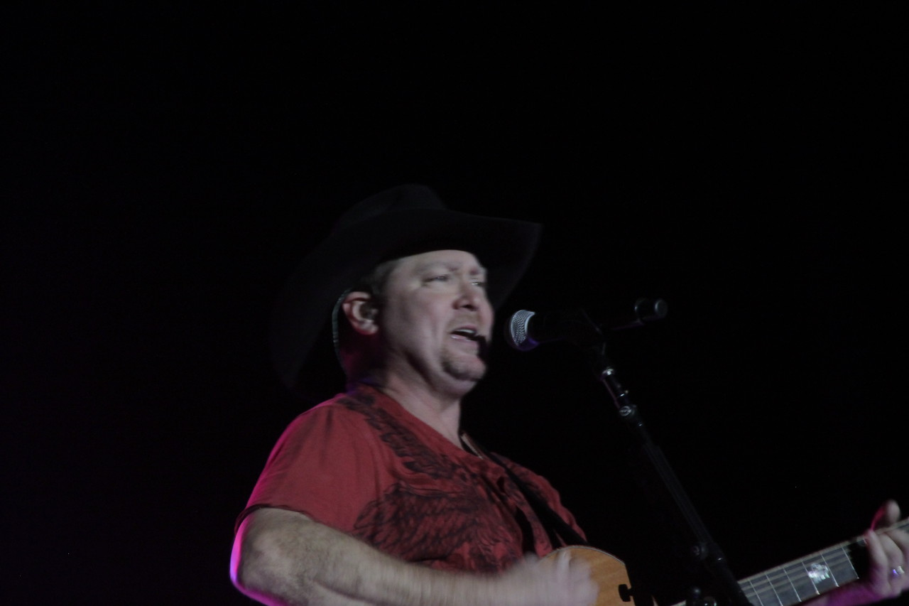 Tracy Lawrence concert
