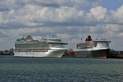 AZRA and QUEEN MARY 2 taken from Hythe Pier on 13 July 2014
