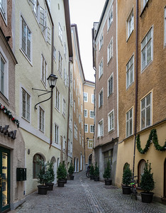 There's rarely a plumb line in these centuries-old streets and buildings