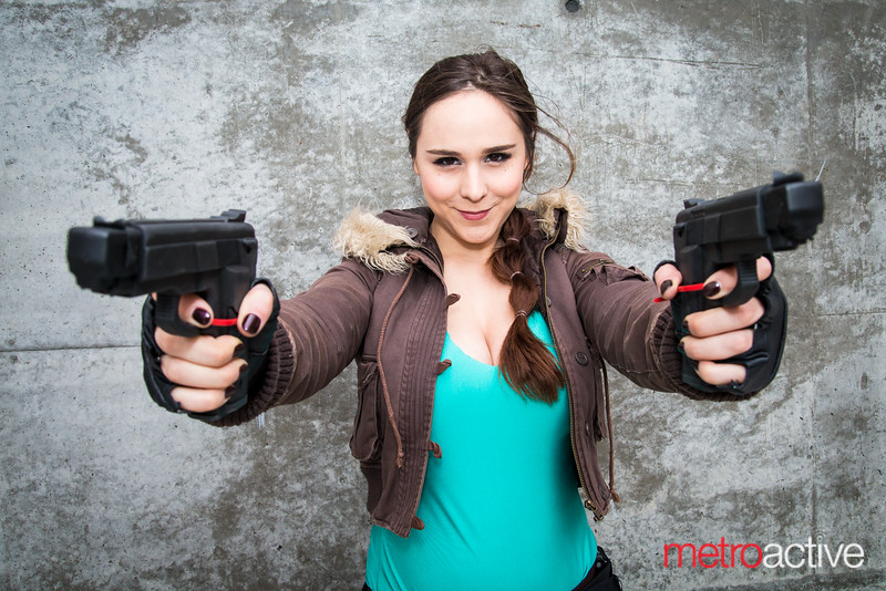 Tomb Raider cosplayer