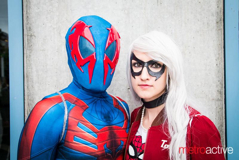 Spider-man 2099 & Black Cat cosplayers