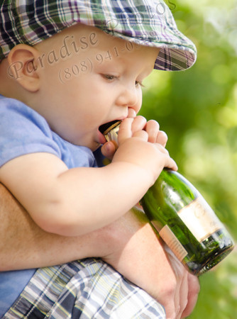 Baby & wine bottle 6191