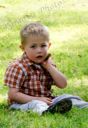 boy in grass 6329