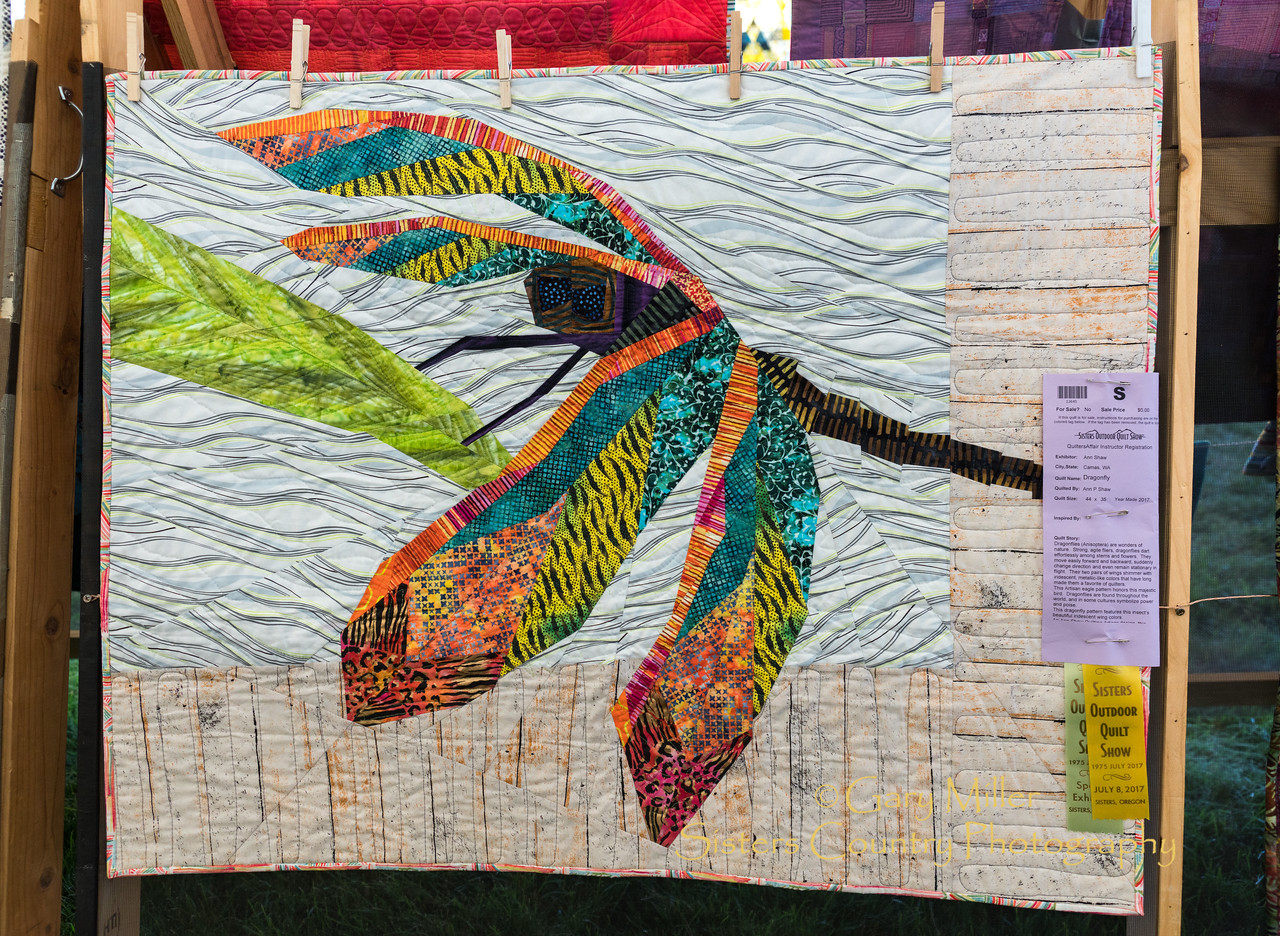 In the 'Teachers Tent' exhibit at the 2017 Sisters Outdoor Quilt Show © Gary N. Miller, Sisters Country Photography
