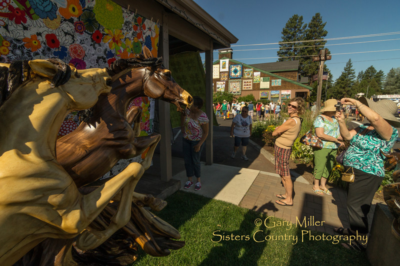 The fine art and wildlife sculputure of J. Chester Armstrong at the Sisters Outdoor Quilt Show - Sisters, Oregon on July 14, 2012 - Gary N. Miller - Sisters Country Photography