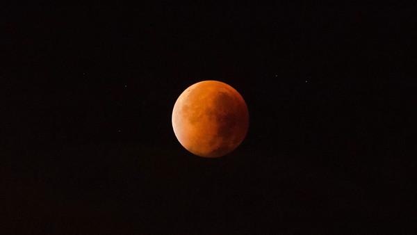 28.9. - Mond im Kernschatten