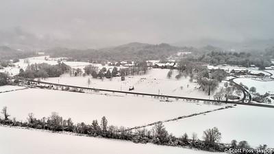 snowdec17fb--5