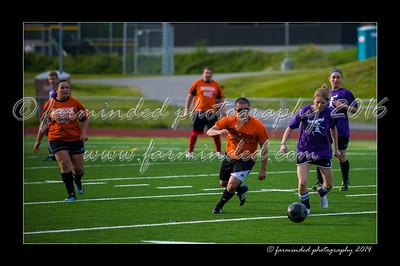 DSC_5563-12x18-07_2014-Soccer-W