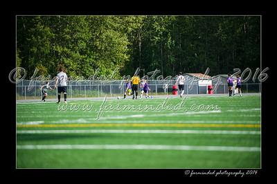 DSC_4467-12x18-06_2014-Soccer-W