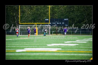 DSC_4422-12x18-06_2014-Soccer-W